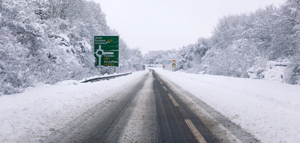 farnham road sign snowing