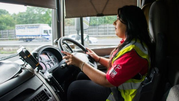 thinking of a change become an hgv driver easy as hgv hgv training